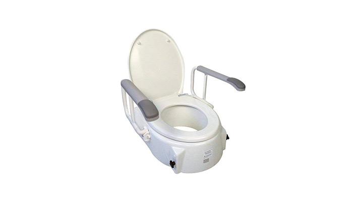 Asientos de inodoro adaptados para personas con discapacidad.